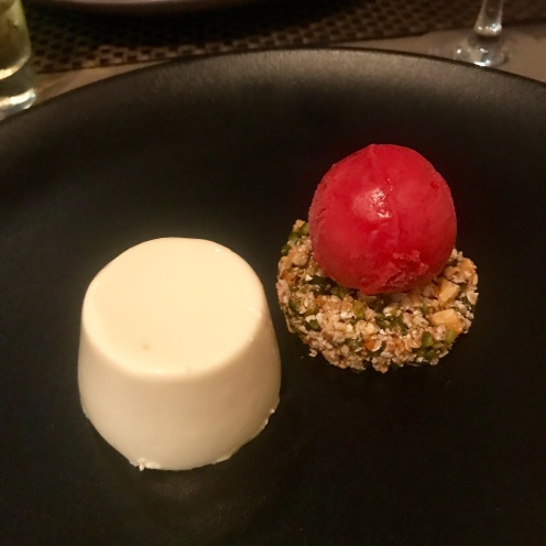 Whisk panna cotta with pistachio, raspberry and honey